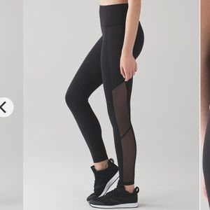 Lululemon Body Con High Rise Leggings w/Mesh